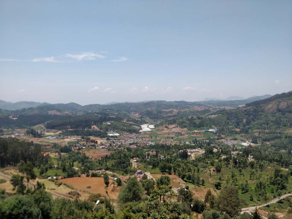 Beatiful landscape of Ooty while travelling towards Wellington Contonment