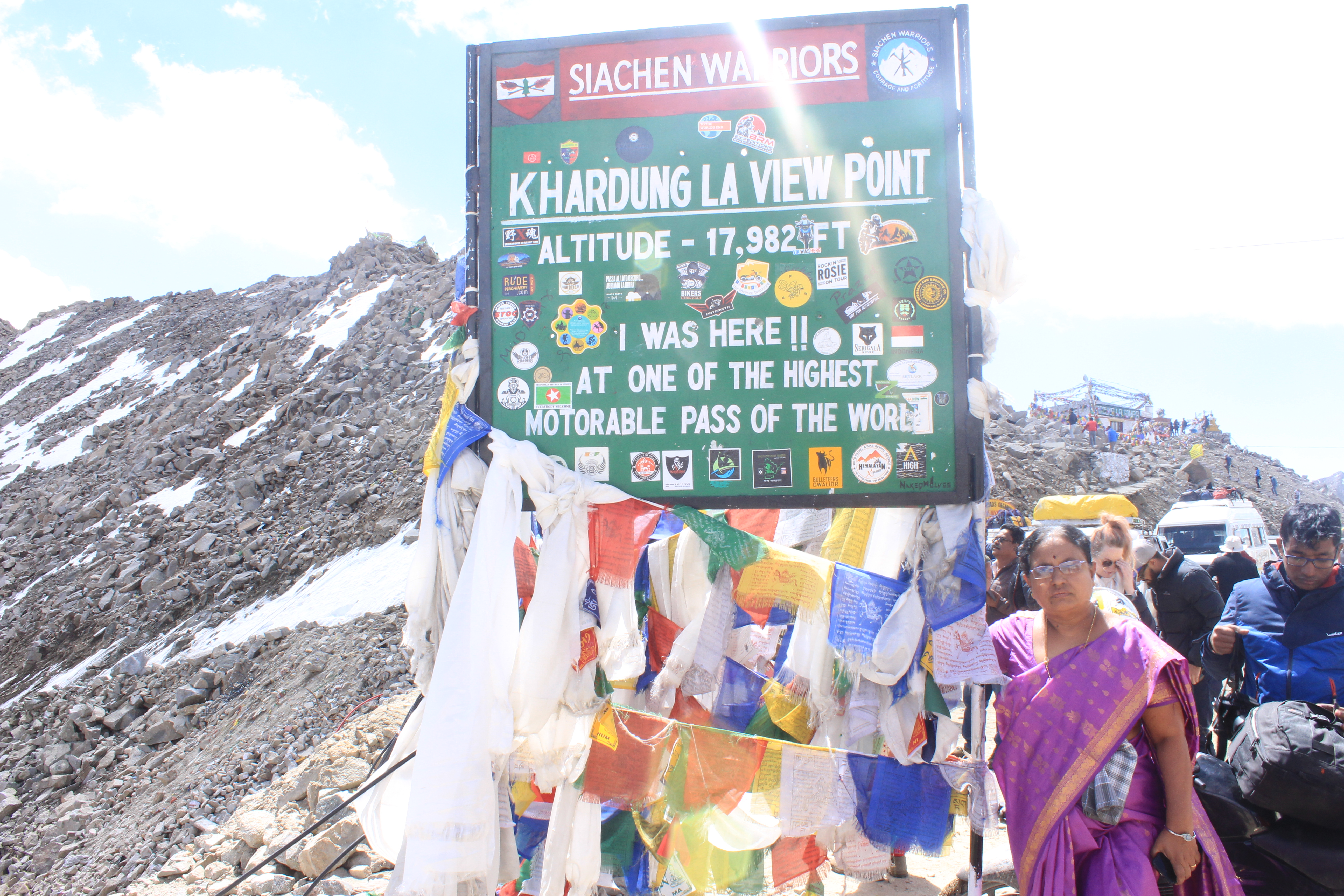 Board of Khardung La View Point